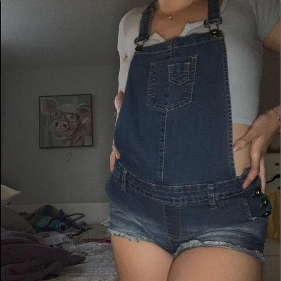 Guess short overalls